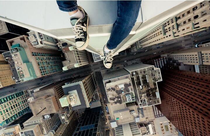 ترس از ارتفاع یکی از موارد شایع از ترس در بین انسانهاست و نقش اساسی در زندگی ما دارد. برای هرچه بیشتر آشنا شدن با این نوع از هراس با ما همراه باشد.