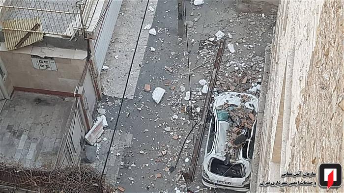 مجری پیچ و رولپلاک نما با طناب