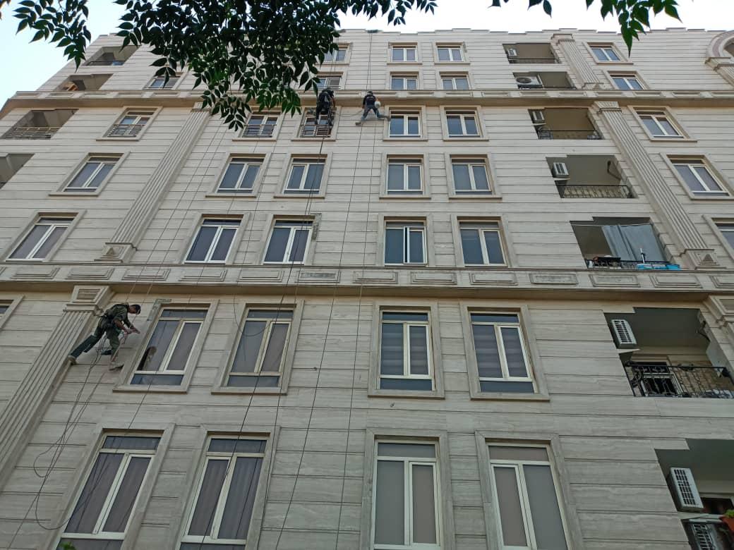 مجموعه تهران راپل ارائه دهند خدمات پیچ و رولپلاک نما در تهران است. ما در این مجموعه از طناب به عنوان جایگزین مناسبی برای کار در ارتفاع استفاده میکنیم.