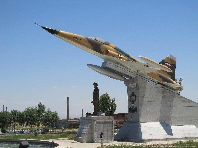 پیچ و رولپلاک نما در ورامین و قرچ یکی از خدمات بسیار مهم مجموعه تهران راپل است.